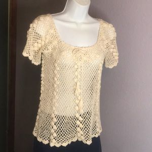 NWT Fabulous B Hatti & Sons Med Crocheted SS Top
